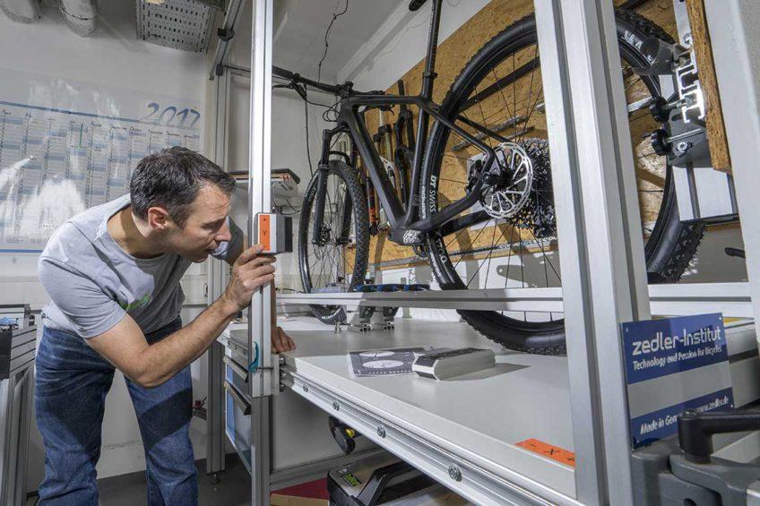 Testy Bike - pomiary geometrii Romet Monsun 3