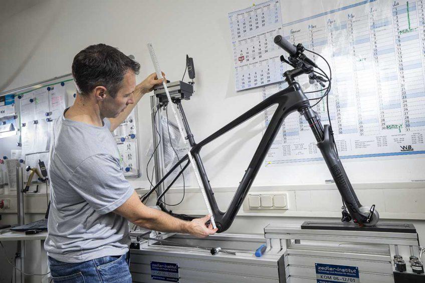 Testy Bike - pomiary geometrii Romet Monsun 3.