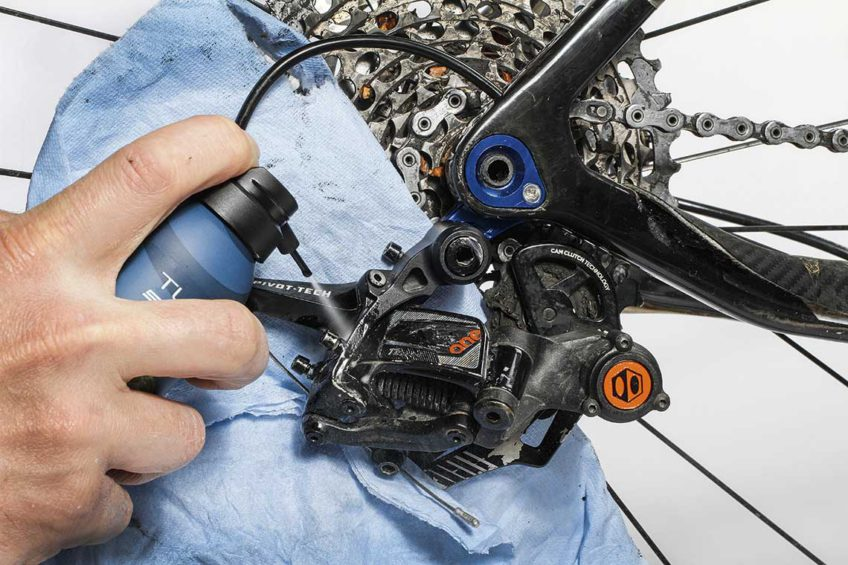 konserwacja serwis roweru smarowanie ruchomych części