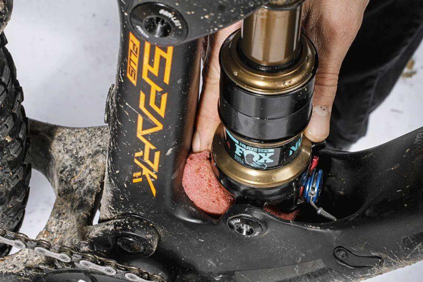 konserwacja serwis roweru wypełnianie wnęk
