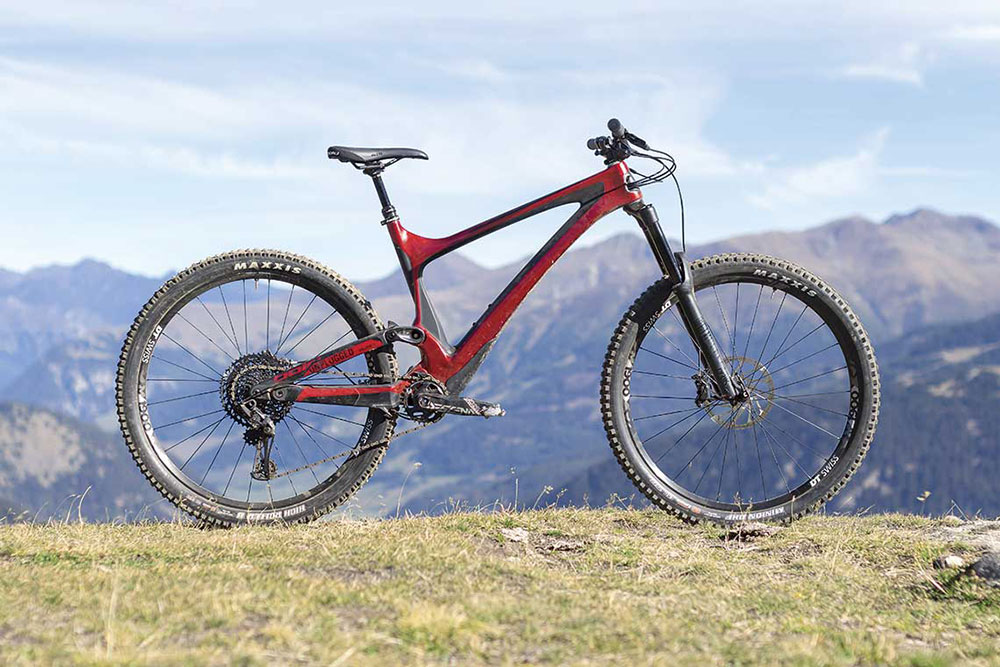 ENDURO HIGH-END: BOLD CYCLES UNPLUGGED