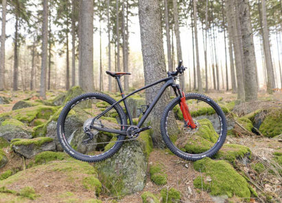 Hardtail do maratonu-Konwa Bike HT Boost