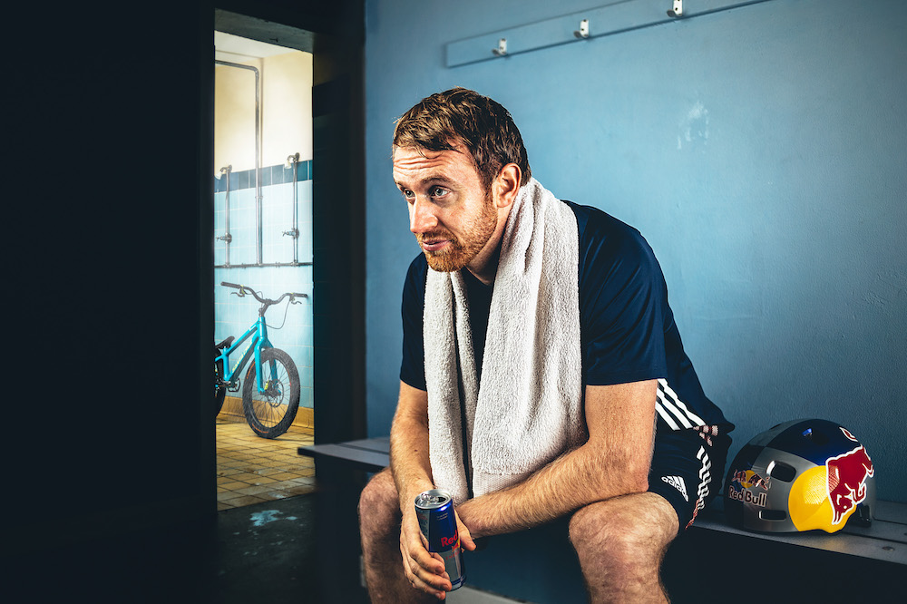 Danny MacAskill Gymnasium – Danny idzie na siłownię!