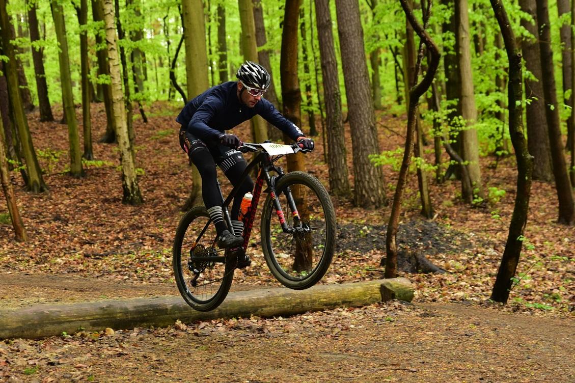 Jaki rower MTB wybrać – sztywniak czy full?