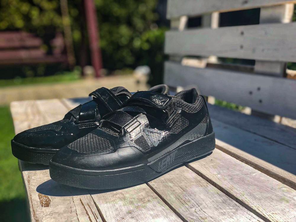Test: buty na ciężkie warunki Leatt DBX 5.0 Clip Granite